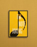 I'm note joking på et sødt, lille, gult print